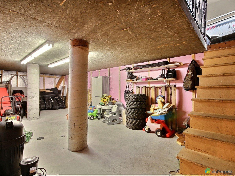 garage maison a vendre baie st paul quebec province 1600 8146352 les entreprises r gis gagnon. Black Bedroom Furniture Sets. Home Design Ideas